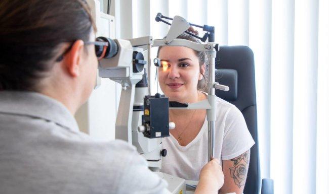 Augenuntersuchung in der Augenklinik Südblick