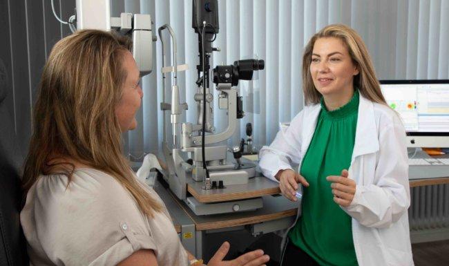 Untersuchung in Augenarztpraxis Bobingen bei Augsburg